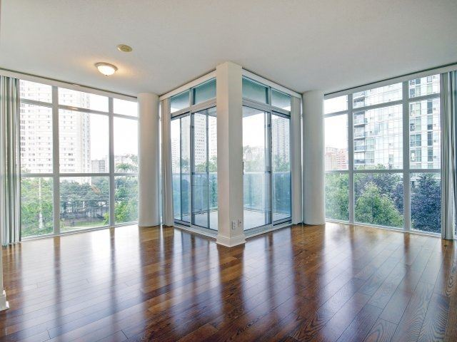 Condo Apartment at 90 Absolute Ave, Unit 506, Mississauga, Ontario. Image 5