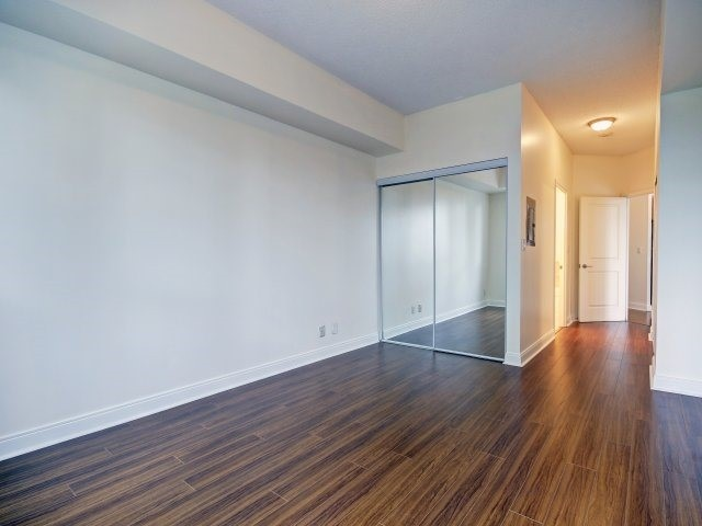 Condo Apartment at 90 Absolute Ave, Unit 506, Mississauga, Ontario. Image 9