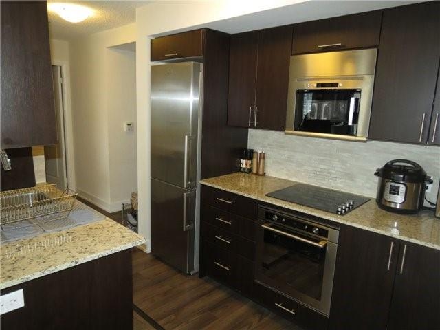 Condo Apartment at 6 Eva Rd, Unit 1703, Toronto, Ontario. Image 9