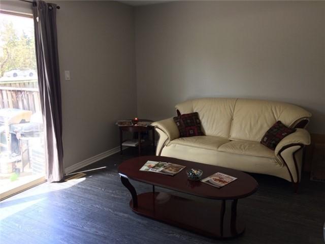 Condo Townhouse at 2825 Gananoque Dr, Unit 16, Mississauga, Ontario. Image 5