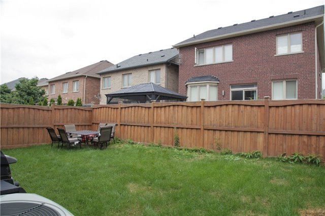 Detached at 183 Swindale Dr, Milton, Ontario. Image 13