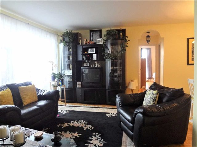 Condo Apartment at 3025 Queen Frederica Dr, Unit 1504, Mississauga, Ontario. Image 12