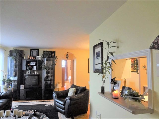 Condo Apartment at 3025 Queen Frederica Dr, Unit 1504, Mississauga, Ontario. Image 15