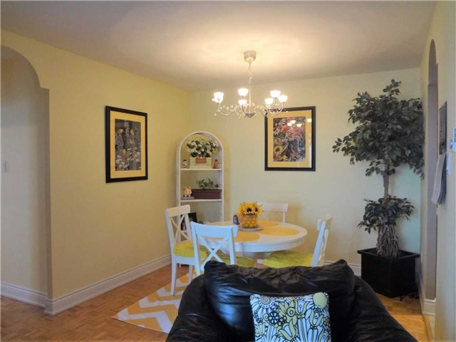 Condo Apartment at 3025 Queen Frederica Dr, Unit 1504, Mississauga, Ontario. Image 19