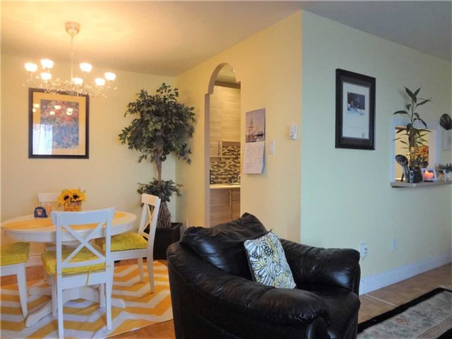 Condo Apartment at 3025 Queen Frederica Dr, Unit 1504, Mississauga, Ontario. Image 20