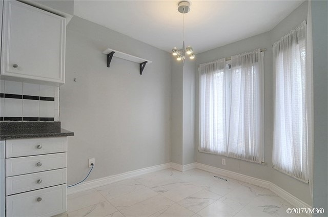 Condo Townhouse at 5020 Delaware Dr, Unit 5, Mississauga, Ontario. Image 12