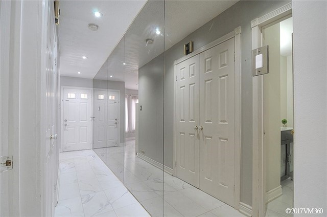 Condo Townhouse at 5020 Delaware Dr, Unit 5, Mississauga, Ontario. Image 14