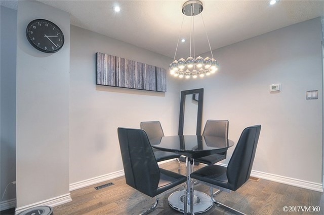 Condo Townhouse at 5020 Delaware Dr, Unit 5, Mississauga, Ontario. Image 15