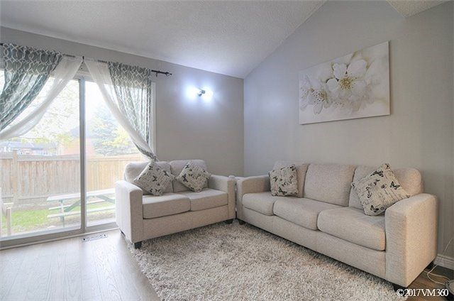 Condo Townhouse at 5020 Delaware Dr, Unit 5, Mississauga, Ontario. Image 16