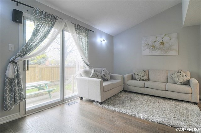 Condo Townhouse at 5020 Delaware Dr, Unit 5, Mississauga, Ontario. Image 18