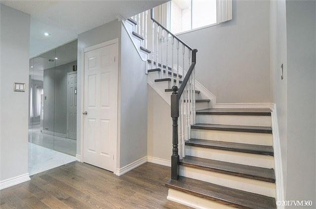 Condo Townhouse at 5020 Delaware Dr, Unit 5, Mississauga, Ontario. Image 4