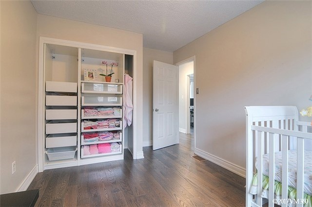 Condo Townhouse at 5020 Delaware Dr, Unit 5, Mississauga, Ontario. Image 8