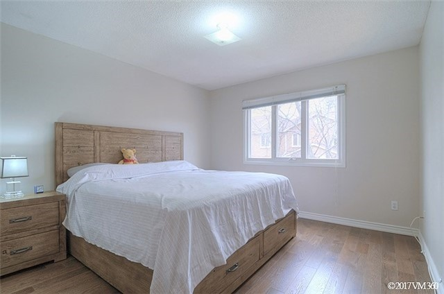 Condo Townhouse at 5020 Delaware Dr, Unit 5, Mississauga, Ontario. Image 10