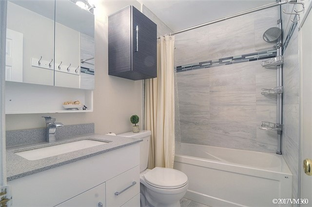 Condo Townhouse at 5020 Delaware Dr, Unit 5, Mississauga, Ontario. Image 11