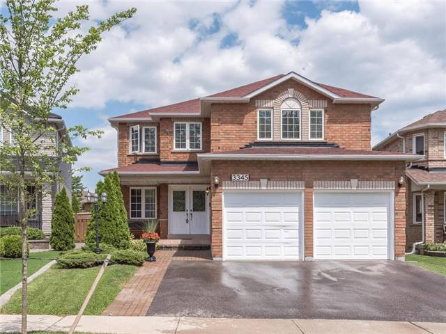 Detached at 3345 Grand Park Dr, Mississauga, Ontario. Image 1