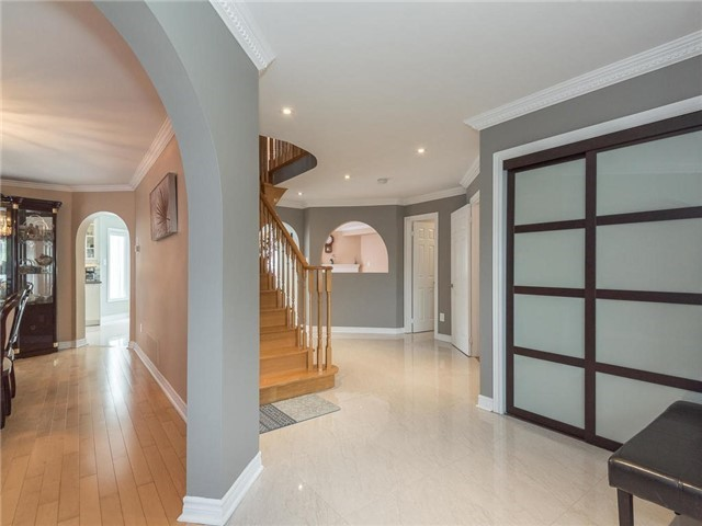 Detached at 3345 Grand Park Dr, Mississauga, Ontario. Image 12