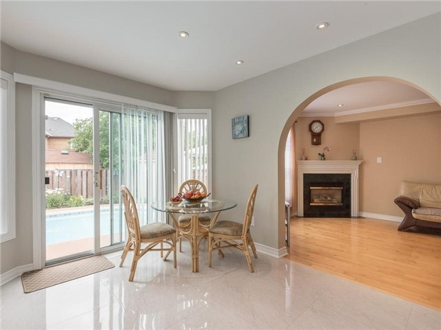 Detached at 3345 Grand Park Dr, Mississauga, Ontario. Image 16