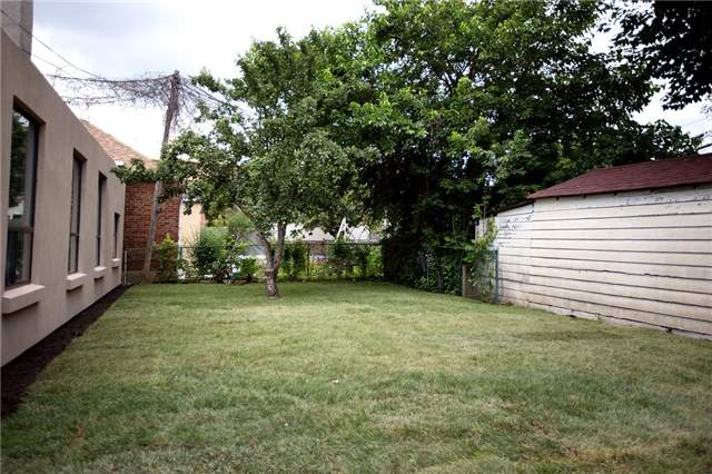 Detached at 64 Bowie Ave, Toronto, Ontario. Image 9