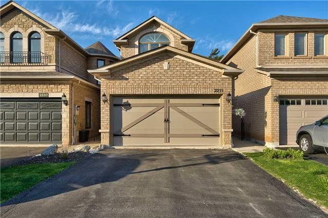 Townhouse at 2235 Rockingham Dr, Oakville, Ontario. Image 1
