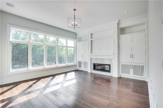 Detached at 422 Tennyson Dr, Oakville, Ontario. Image 16