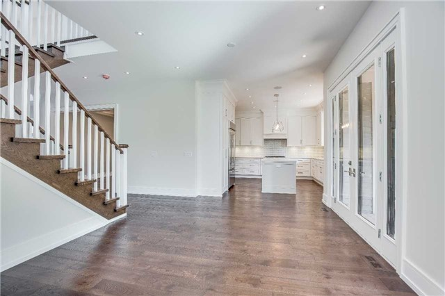 Detached at 422 Tennyson Dr, Oakville, Ontario. Image 17