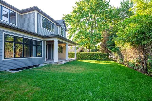 Detached at 422 Tennyson Dr, Oakville, Ontario. Image 13