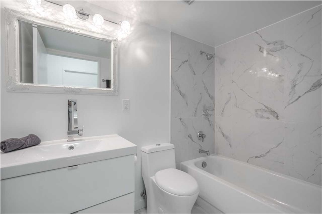 Condo Apartment at 5 Rowntree Rd, Unit 903, Toronto, Ontario. Image 4