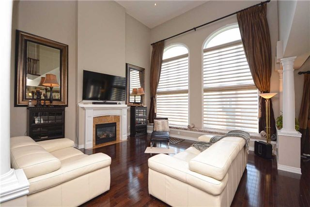 Detached at 2433 Kwinter Rd, Oakville, Ontario. Image 17