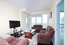 Condo Apartment at 3525 Kariya Dr, Unit 3008, Mississauga, Ontario. Image 4