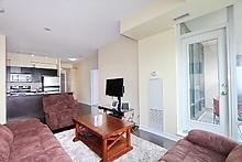 Condo Apartment at 3525 Kariya Dr, Unit 3008, Mississauga, Ontario. Image 5