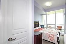 Condo Apartment at 3525 Kariya Dr, Unit 3008, Mississauga, Ontario. Image 7