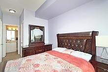 Condo Apartment at 3525 Kariya Dr, Unit 3008, Mississauga, Ontario. Image 8