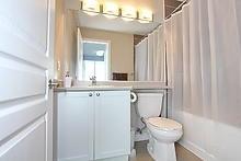Condo Apartment at 3525 Kariya Dr, Unit 3008, Mississauga, Ontario. Image 9