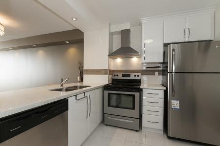 Condo Apartment at 26 Hanover Rd, Unit 1210, Brampton, Ontario. Image 12