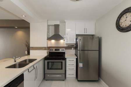 Condo Apartment at 26 Hanover Rd, Unit 1210, Brampton, Ontario. Image 13