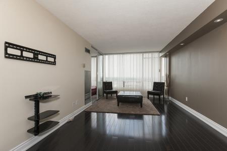 Condo Apartment at 26 Hanover Rd, Unit 1210, Brampton, Ontario. Image 15