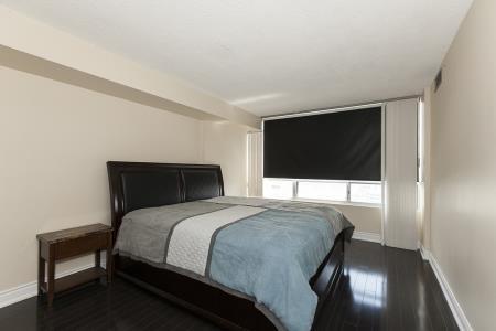 Condo Apartment at 26 Hanover Rd, Unit 1210, Brampton, Ontario. Image 17