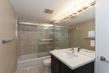 Condo Apartment at 26 Hanover Rd, Unit 1210, Brampton, Ontario. Image 2