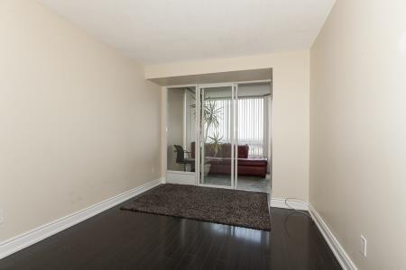Condo Apartment at 26 Hanover Rd, Unit 1210, Brampton, Ontario. Image 3