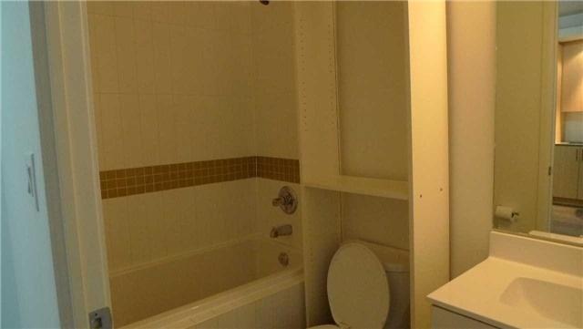 Condo Apartment at 165 Legion Rd N, Unit 1621, Toronto, Ontario. Image 18