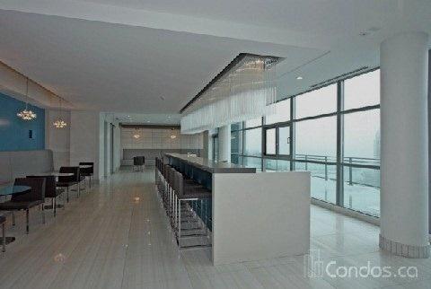 Condo Apartment at 165 Legion Rd N, Unit 1621, Toronto, Ontario. Image 4