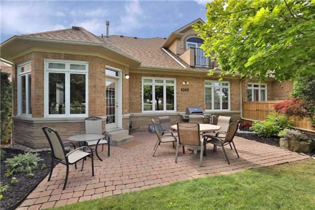 Condo Townhouse at 4140 Stonebridge Cres, Burlington, Ontario. Image 11