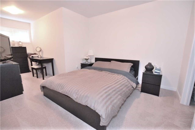 Condo Townhouse at 2441 Greenwich Dr, Unit 1, Oakville, Ontario. Image 15