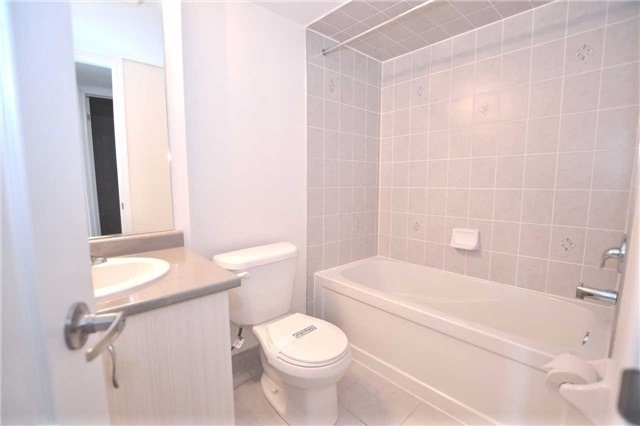 Condo Townhouse at 2441 Greenwich Dr, Unit 1, Oakville, Ontario. Image 3