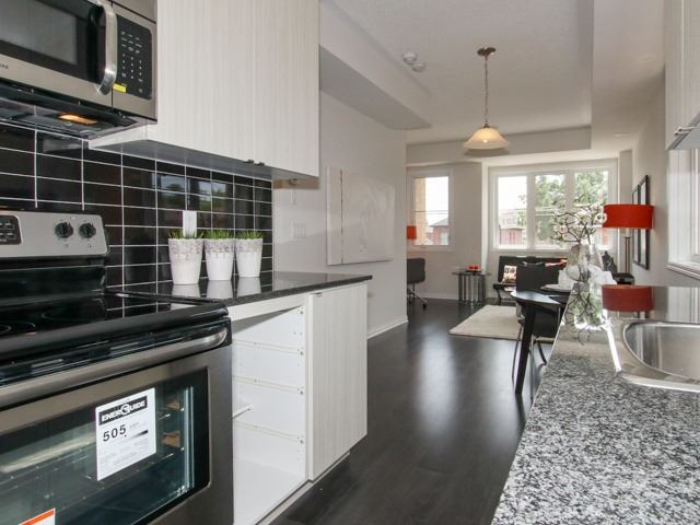 Condo Townhouse at 400 Hopewell Ave, Unit 201, Toronto, Ontario. Image 17