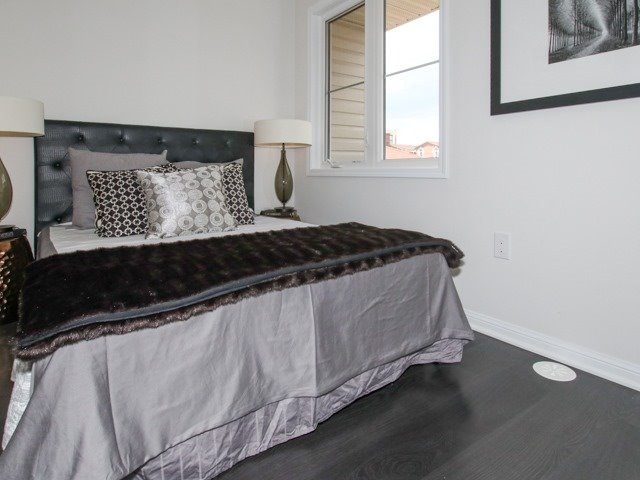 Condo Townhouse at 400 Hopewell Ave, Unit 201, Toronto, Ontario. Image 3