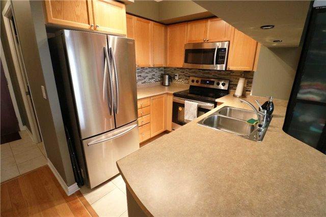 Condo Apartment at 4090 Living Arts Dr, Unit 1204, Mississauga, Ontario. Image 4