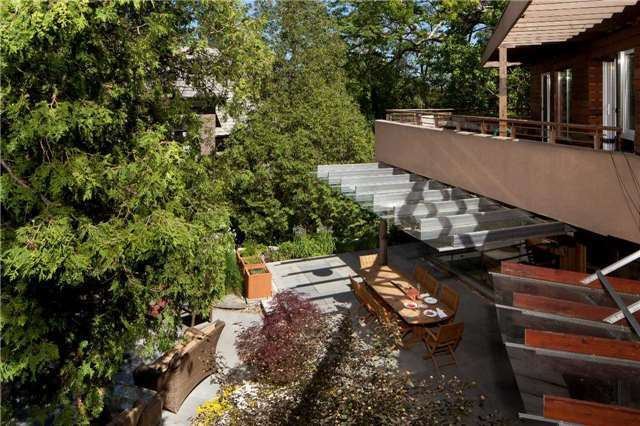 Detached at 6 Thorncrest Rd, Toronto, Ontario. Image 10