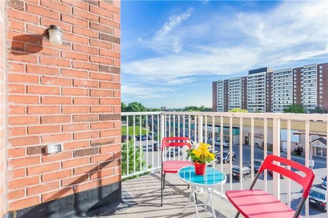 Condo Townhouse at 37 Four Winds Dr, Unit 25, Toronto, Ontario. Image 16