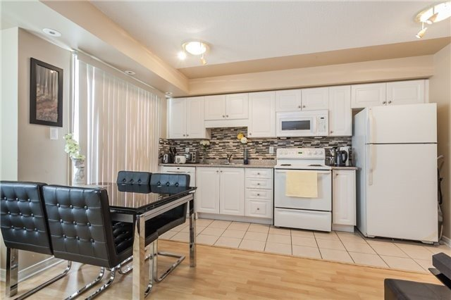 Condo Townhouse at 37 Four Winds Dr, Unit 25, Toronto, Ontario. Image 2
